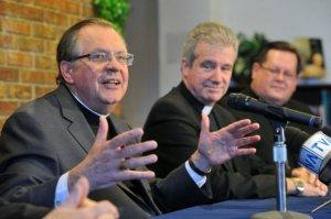 Mgr Fournier (Rimouski), Mgr Lépine (Montréal) et le cardinal Lacroix (Québec) Source: La Presse