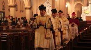 Messe traditionnelle à la paroisse Étoile de la Mer, San Francisco
