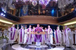 Le cardinal Schönborn et «l'autel voyageur»
