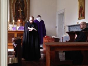 Messe dans l'église prieuriale