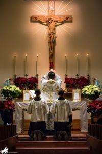 Messe latine traditionnelle célébrée par l'abbé Hager